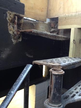welding_metal_stairs_2