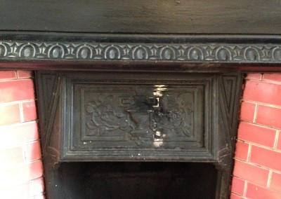 welding_repair_to_cast_iron_fireplace_2