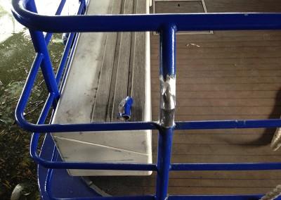 welding_repair_to_metal_boat_railing_1
